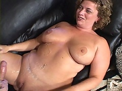 Pumping that cock gets this busy MiLF a facefull