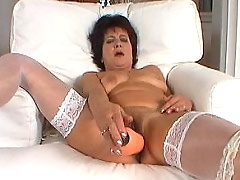 Old slut fucking & gets facial